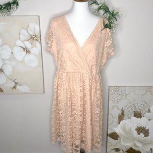 Torrid | Peach Pink Lace V Neck Short Dress Sz 2